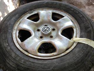 100 euro Honda crv diskuri cu r 16/215/70 cauciucuri practic noi !!!