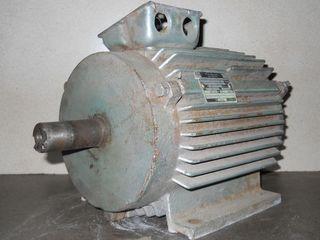 Электродвигатели разные. Пускатель магнитный ПМЛ. Продажа или обмен!