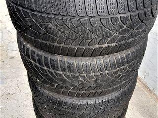 235 / 40 / R19  -  Dunlop  4  шт.