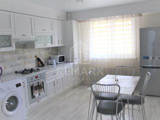 Chirie  Apartament cu 3 odăi, Centru,  str. Gheorghe Cașu, 500 €