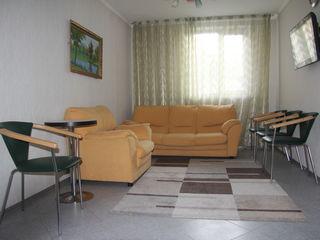 Se vinde casa cu 3 odai, Centru str. M. Eminescu 25!!!