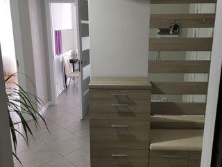 1 Dormitor + Living (separat) 330€ Stapin!