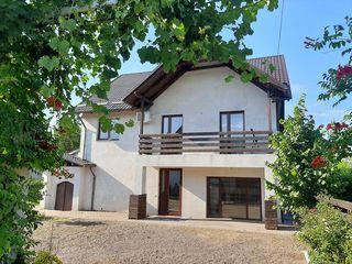 Casa în 2 nivele 144 m.p. + mansarda, Cricova