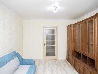 Apartament cu 3 camere, Centru, cu reparatie si mobila, pretul este foarte bun!