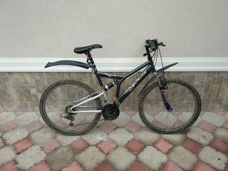 Vind bicicleta nemțească!!!