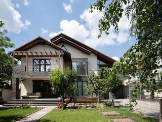 Nou!!! Casa de familie în zona parcului Dendrarium