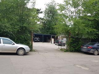 продам парковочное место под навесом на ул.Спринченоайя (возле новостройки)