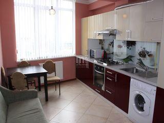 În chirie apartament în blocul Dansicons - N. Testemițeanu ! 3 camere, 89 mp !!