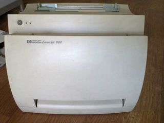 Дешего !!! Принтер H P Laser Jet 1100 работает ,имеет картридж. Printer H P Laser Jet 1100 functione