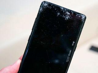 Samsung Galaxy Note 8 L-ai stricat? Nu-i nimic, adă-l la noi!