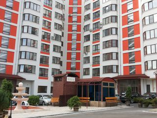 Se dă în chirie apartament cu 2 camere, amplasat în sect. Buiucani, 380 €