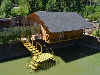 Новый деревянный дом, аренда посуточно. Озеро. В думраве.