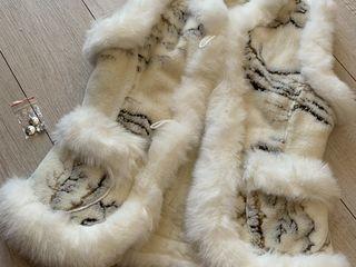 Se vinde jaleta cu blana naturala din oaie.