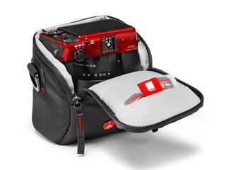 Сумка для фотоаппарата Manfrotto Essential Extra Small Holster (MB H-XS-E). Новая.
