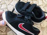 23,24,25 obuvi Nike snoopy ecco