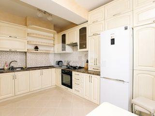 Centru!!! 3 camere, reparație+mobilă, bloc nou, 400 € !