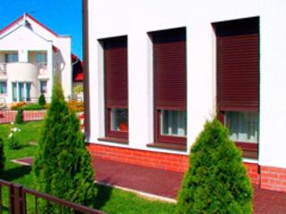 Rolete pentru usi, ferestre, terase si buticuri la cele mai mici preturi!!! Direct de la producator!