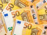 Возьму в долг 3000 евро на год , верну 5000
