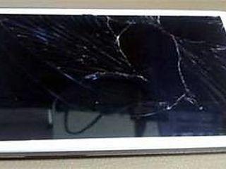 Samsung Galaxy S4 ( на запчасти разбит экран )