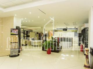 Se propune spre vanzare spațiu comercial/oficiu în sectorul Botanica pe str. Decebal.