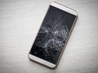 iPhone 6/7/8/X schimbarea sticlei, cel mai bun pret si calitate