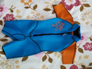Продам детский гидрокостюм Tribord