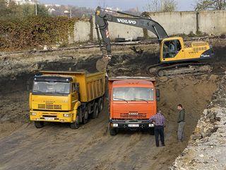 Oferim servicii de excavare,demolare, terasament!!!