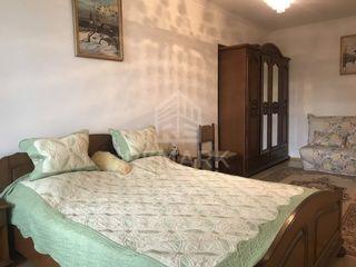 Chirie , Apartament cu 2 odăi, Botanica,  str. Decebal, 290 €