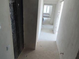 Apartament 72 m+parcare+debara