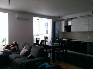 Apartament 3 cam. 600eur/mp