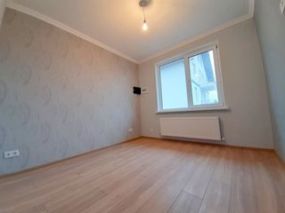 Apartament la sol cu 1 odaie, euroreparat/Pardosea Calda