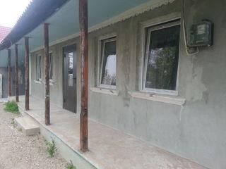 Продам дом, стены из камня, расположен в центре Бачой, участок 8,26 сотки, есть на участке второй до