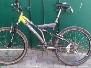 Bicicleta 2500 lei