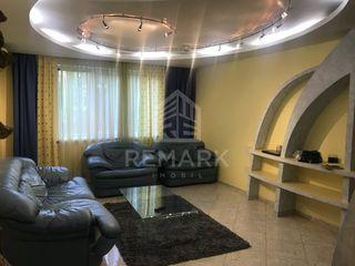Vanzare  Apartament cu 3 camere, Centru, str. Ștefan cel Mare. 68000  €