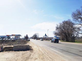 Teren pe traseul Chișinău-Tiraspol, prima linie 252 ari.