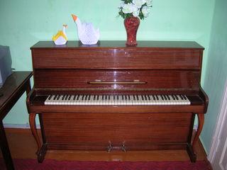 Продаю немецкое пианино