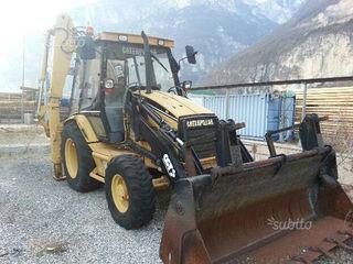 buldoexcavator si autobasculat