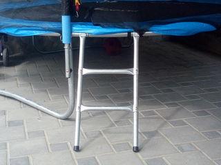 Лестница для батута и подножка для батута.