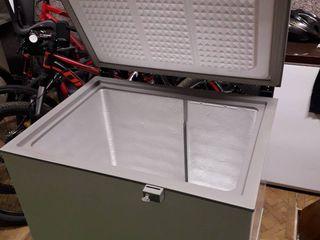 Congelator Philips-Whirlpool. Pret negociabil.