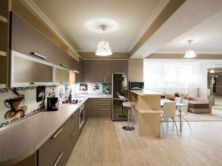 Apartamente 3 camere Lev Tolstoi 24.1 Hypermarket Nr.1 Посуточно 3 ком квартира в Центре