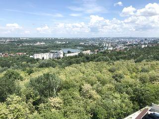 Vanzare! apartament tip penthouse 2nivele cu terasa  proprie 200m2 ! bloc nou. buiucani!