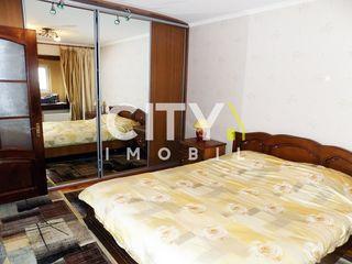 Se vinde apartament cu 3 camere,Chişinău,Rîșcani 72 m