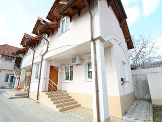 Casă cu 2 nivele, garaj, beci, terasă, Buiucani, 169 000 € !