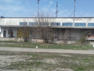 Comercial / Industrial / Producere. 300-650mp Teren 0.95Ha.