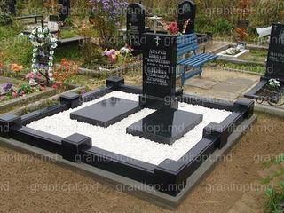 Гранитные памятники в Молдове от производителя