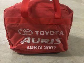 Husă pentru Toyota Auris