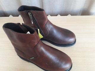 Продается новая мужская обувь, Jonh Deere. Lee Cooper и др.