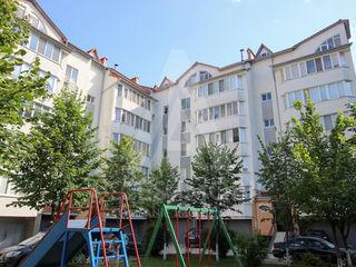 Apartament de lux! Buiucani, bd. Alba Iulia, 240 m2, 2 nivele, euroreparație!