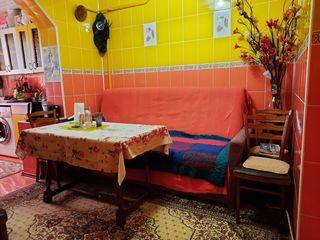 Продается 4 комнатная квартира с евро ремонтом, мебелью и бытовой техникой (без посредников)