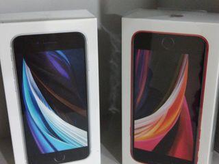 Iphone SE (2020) 64 Gb. Новый. Гарантия 2 года!! Запечатаный!